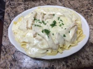 Chicken Alfredo pasta dish